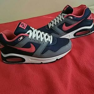 Nike Other - Nike Air Max Navigate SIZE 10 MEN and 12 WOMEN.