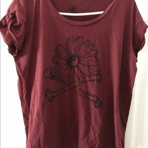 Maroon graphic tee