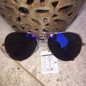 Accessories - Blue Mirrored Aviator Sunglasses