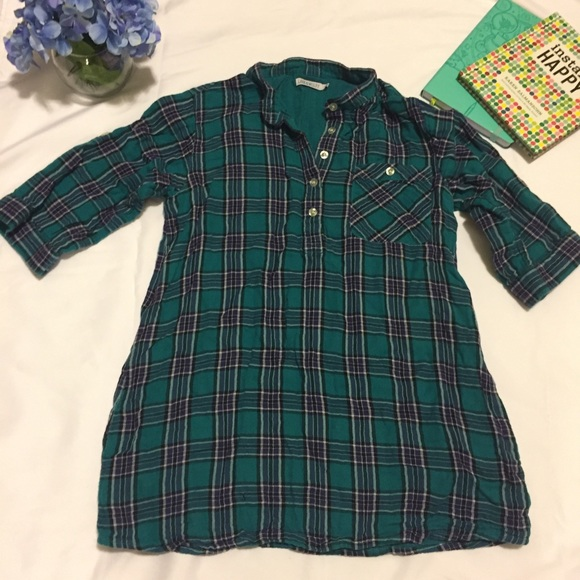 5457f6d93ec LARK   WOLFF Tops - 🎀 Turquoise and Purple Plaid Shirt