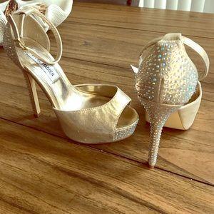 Steve Madden Shoes - SHIMMERY! Steve Madden Nairi Gold Jewel Stilettos!