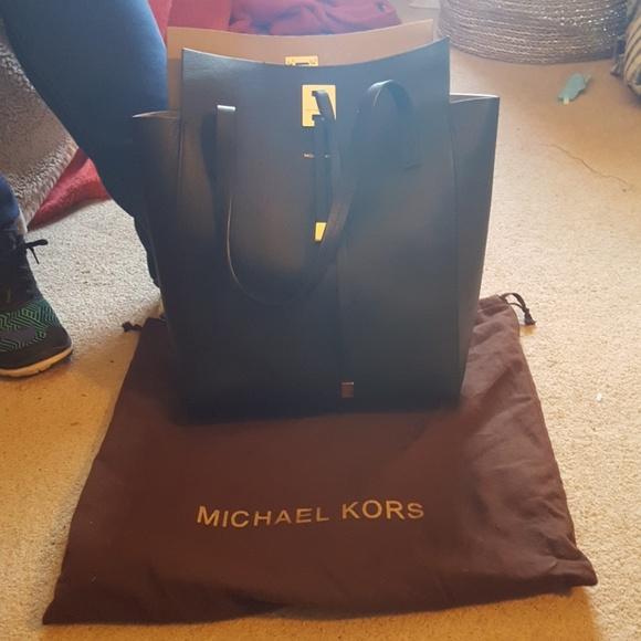 54e81c7336af Michael Kors Bags   Miranda Tote   Poshmark