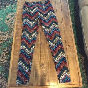 LuLaRoe Pants - Aztec Patterned LuLaRoe leggings OS