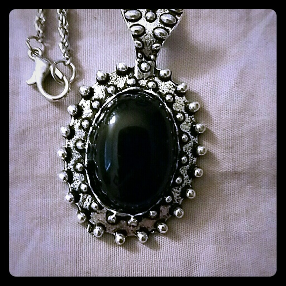 Jewelry - ❤Long Silver-Toned Onyx Necklace❤