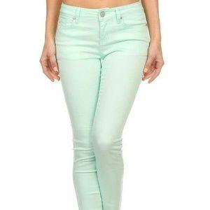 Pants - NWT Retail! Mint Jeans