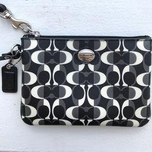 Coach Handbags - New Coach🔥Peyton Wristlet Dream Purse Black/White