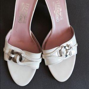 Salvatore Ferragamo Florence sandals off white