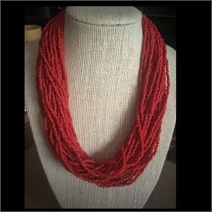 Jewelry - 🌺🆕 Red beaded necklace