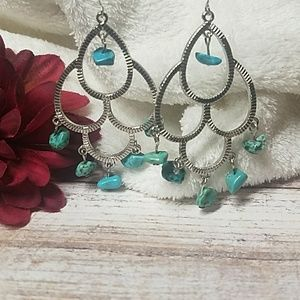 Jesi's Fashionz  Jewelry - 🌟🆕🌟Silver & Turquoise Drop Earrings