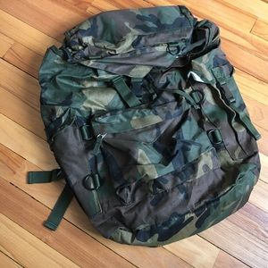 Urban Outfitters Other - NWT Urban outfitters camo backpack