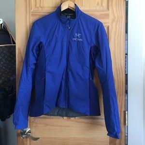 Arc'teryx Jackets & Blazers - Arcteryx atom LT jacket. Size medium royal blue