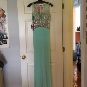 Colors of California Dresses & Skirts - Mint long prom dress