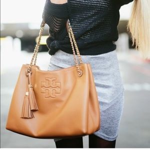 Tory Butch Thea Chain Slouchy Tote