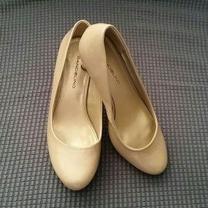 Bandolino Shoes - Nude heels