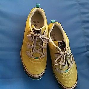 AHNU Shoes - 💖AHNU Runners💖