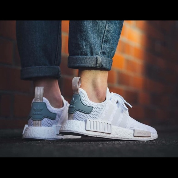 df0be9e0b8c NMD R1 White Tactile Green Size 7.5