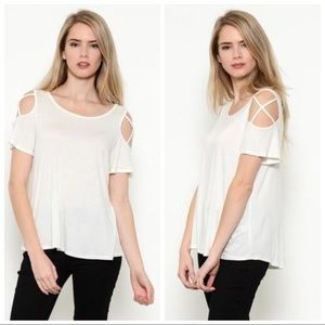 Tops - 🎀Soft white cross short sleeve tunic