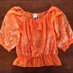 Flying Tomato Tops - Flying Tomato peasant top. NWT