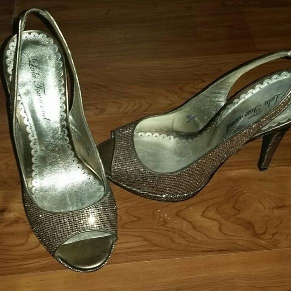 Lulu Townsend Shoes - Classy gold open toed heels