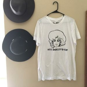 "Tops - Passive Juice Motel ""Dolly"" tee"