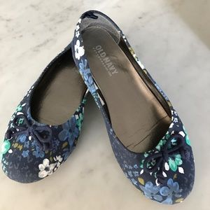 Old Navy Other - Old Navy floral flats