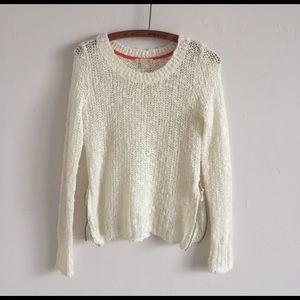 Gianni Bini Sweaters - Gianni Bini sweater