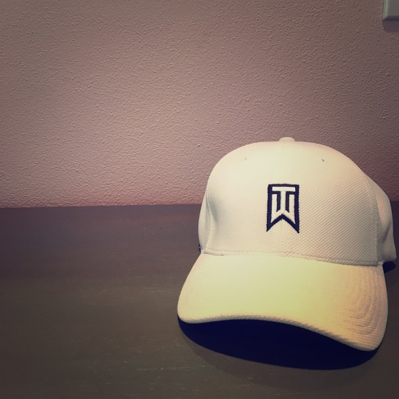 c2878f4ecb527 Tiger Woods Nike hat. M 58f69662eaf0308a870000dd
