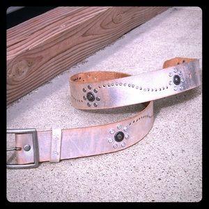jimmy'z Accessories - NEW rustic leather Jimmy'z silver belt Size Medium