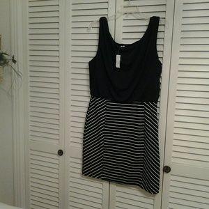 Studio Y Dresses & Skirts - LADIES  NEW  BLACK AND WHITE  STRIPE DRESS, LARGE