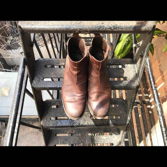 Wolverine Shoes - Wolverine Chelsea leather boots