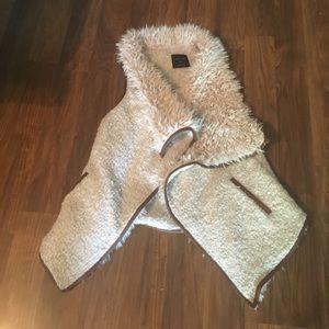 Faux fur jacket/vest long