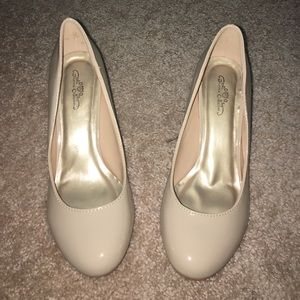 Journee Collection Shoes - NWOT nude heels!