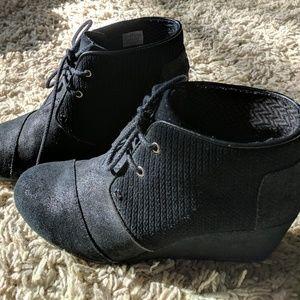 TOMS Shoes - Toms Wedge Heels 9
