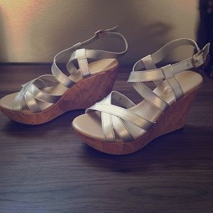 Callisto Shoes - Size 7 silver strappy wedge