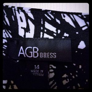 AGB Dresses & Skirts - AGB Black and white knee length dress