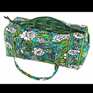 25efecdcc89d Vera Bradley Bags - Vera Bradley XL Bag Island Bloom-Retired style