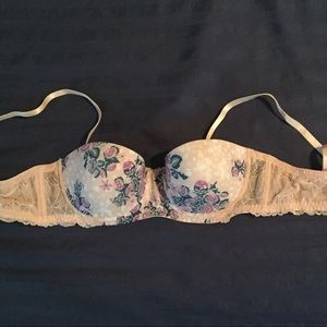 Free People Other - NWOT Free People 34B molded cup lace bra