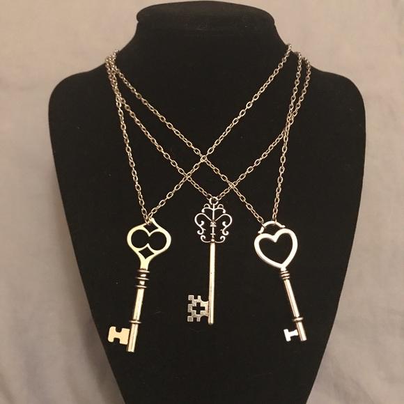Sidlee Jewelry Jewelry - 🎉HP🎉 Key to My Heart - Handmade Necklace
