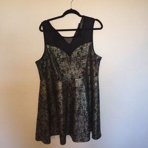 Fashion to Figure Dresses & Skirts - Gold and Black Shimmer Dress