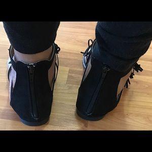 Shoes - Fringe Flat Sandals