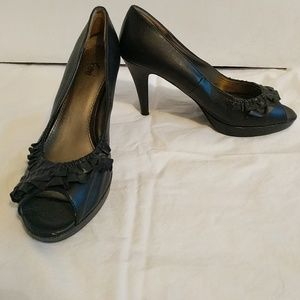 FIONI Clothing Shoes - Black ruffled peep toe heels