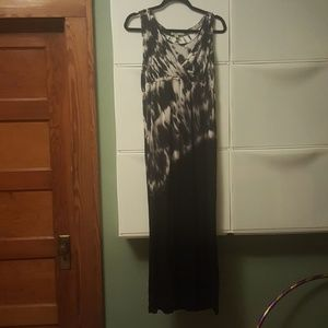 ONE WORLD Dresses & Skirts - Black and white tie-dye maxi dress One World sz L