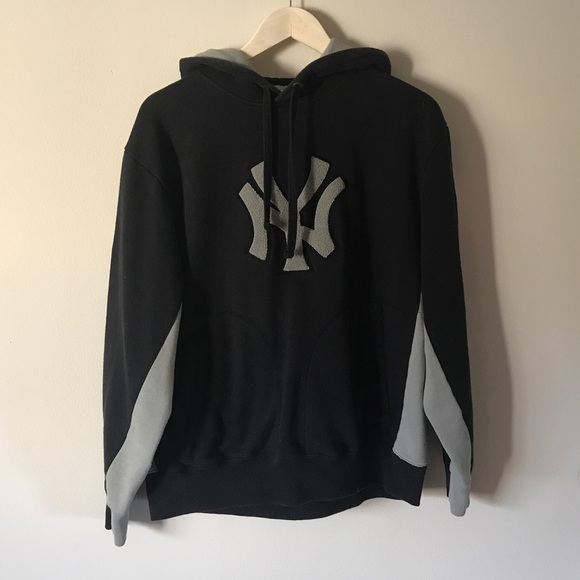the latest dedac 43cd8 ♣️ VINTAGE • Black + gray NY Yankees hoodie