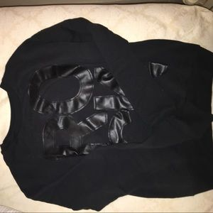 Black graphic hollister sweater
