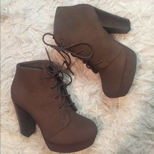 Soda Shoes - Brown booties!!!