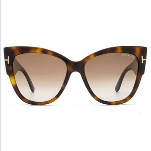 Tom Ford Accessories - Tom Ford Anoushka cat eye sunglasses NWOT