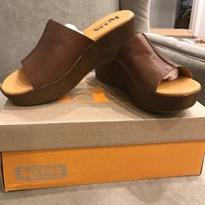 korks wedge shoes