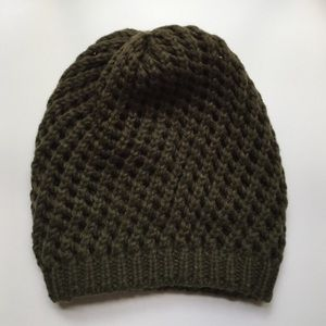 Urban Outfitters Accessories - Urban Outfitters Beanie