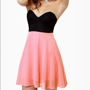 Lulu's Dresses & Skirts - Lulu's Black and Pink Strapless Dress