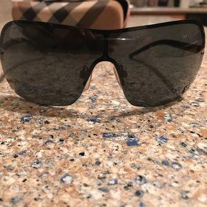 03e88360b16f Burberry Accessories - Burberry Sunglasses (B 3033)